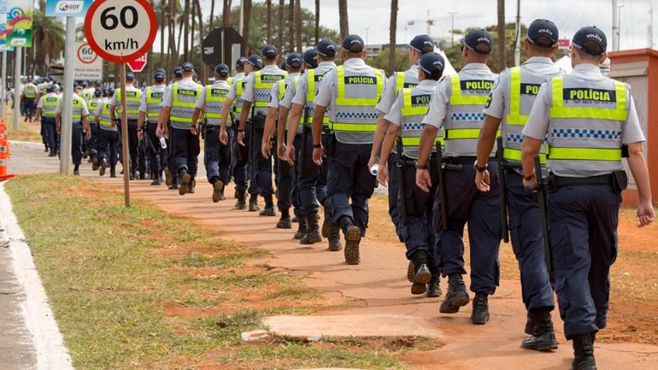 Policiais reforçam a segurança nos entornos do Mané Garrincha, em Brasília