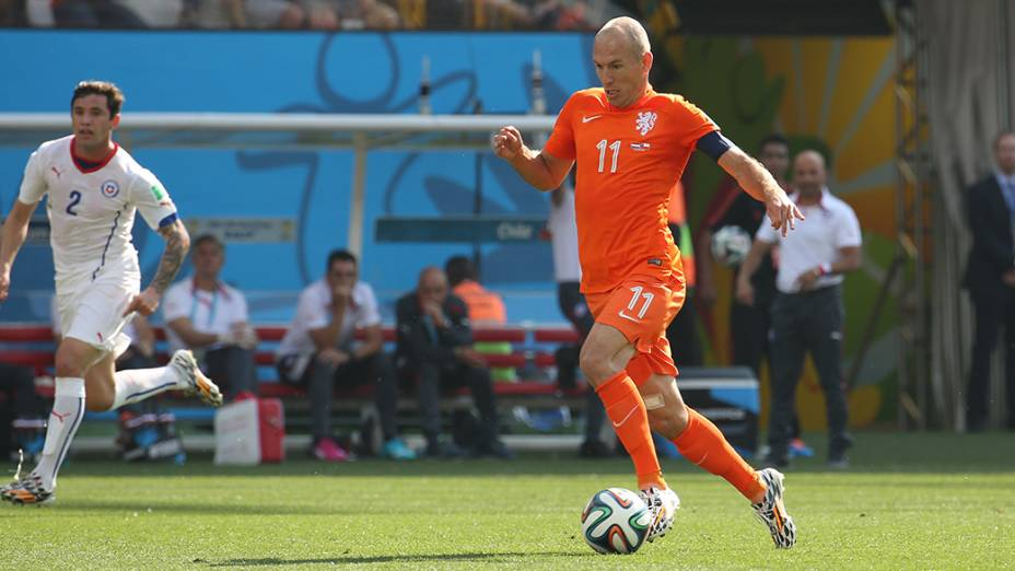 O holandês Arjen Robben durante o jogo contra o Chile no Itaquerão, em São Paulo