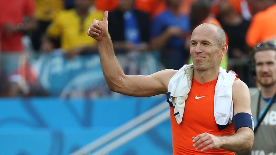 Arjen Robben comemora a vitória da Holanda sobre o Chile no Itaquerão, em São Paulo