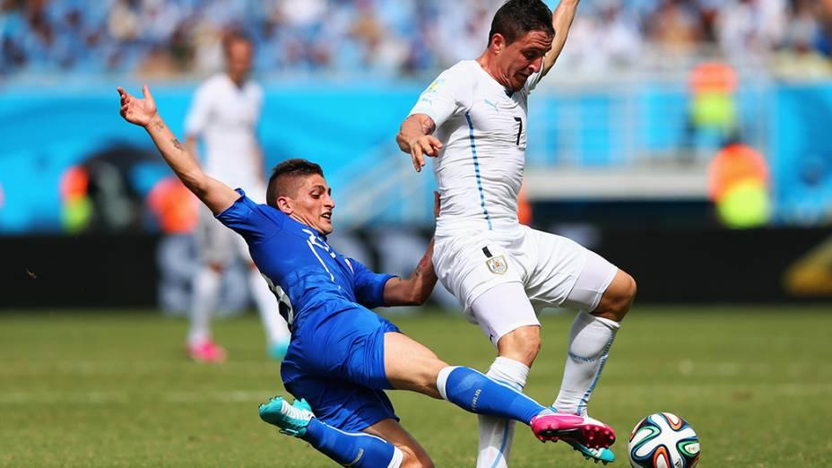 Lance no jogo entre Itália e Uruguai na Arena das Dunas, em Natal