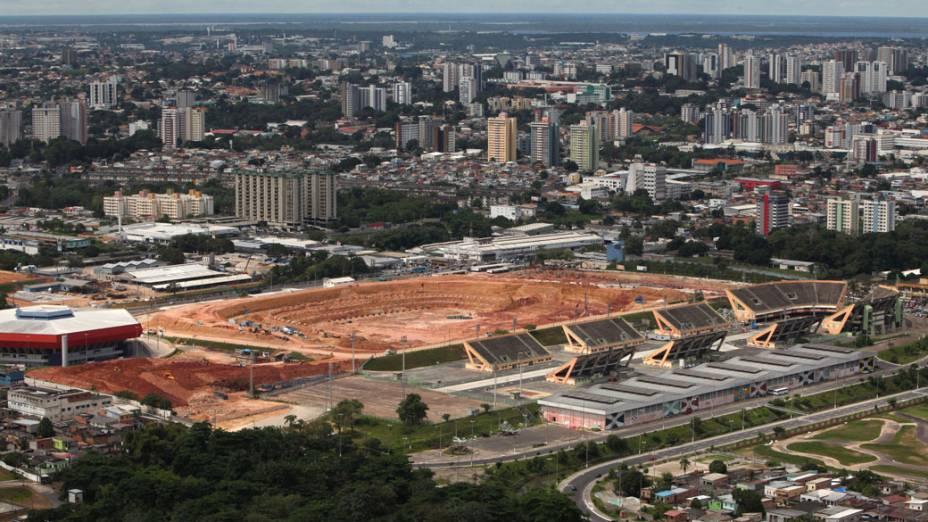 Obras do estádio Arena da Amazônia, em Manaus: só 22% acham que imagem deixada pelo país entre os torcedores estrangeiros será positiva