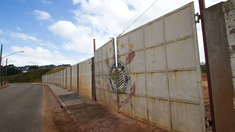 Terreno onde será construído o Estádio do Corinthians, mais conhecido como Itaquerão, São Paulo (SP)