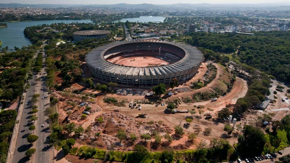 Reforma no Mineirão, em Belo Horizonte: 18% afirmam que estádios são o principal problema do Brasil para a Copa