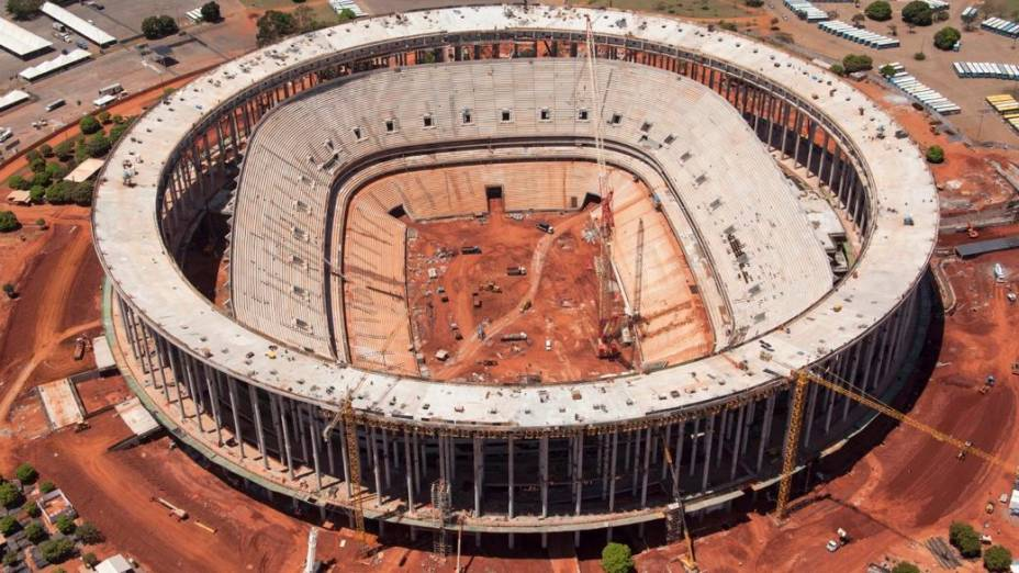Obras do Estádio Nacional de Brasília no fim de outubro de 2012