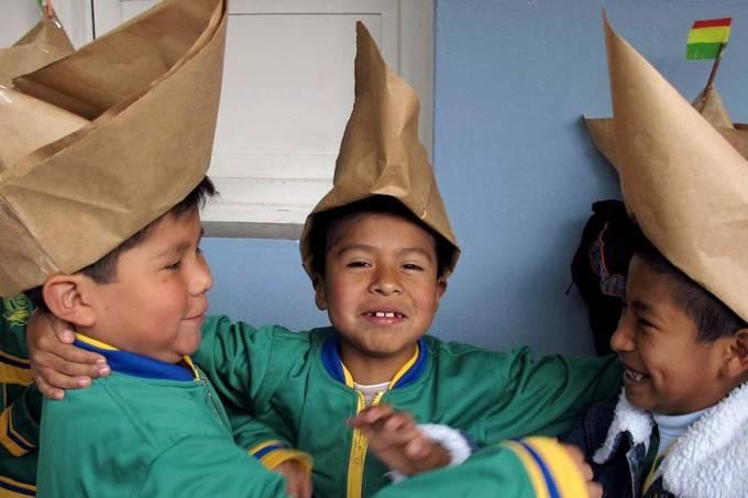 estudantes-comemoracao-dia-mar-la-paz-bolivia-20110323-original.jpeg