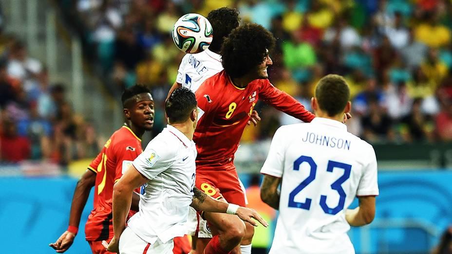 Lance de escanteio no jogo entre Bélgica e Estados Unidos na Arena Fonte Nova, em Salvador