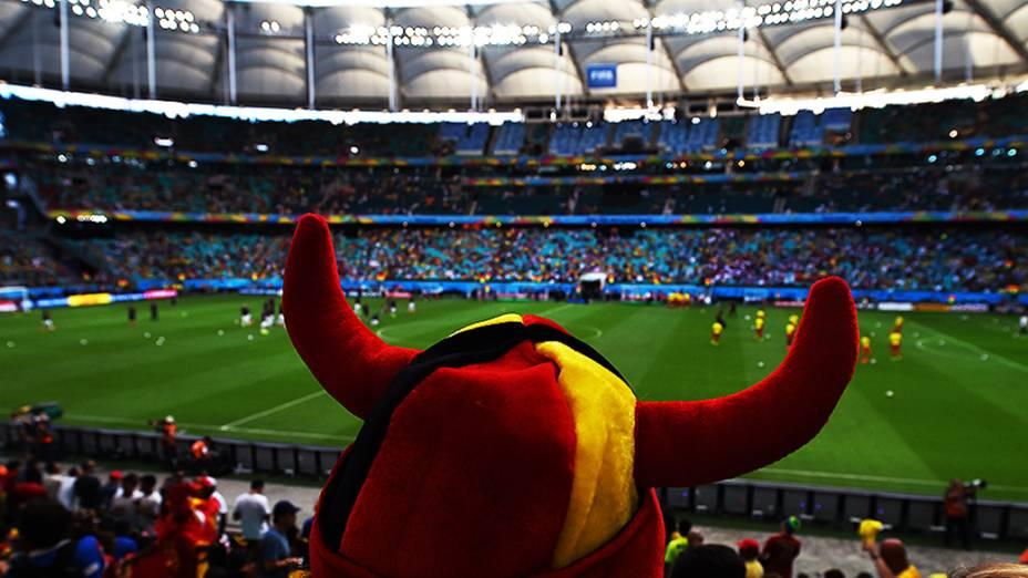 Torcedores da Bélgica durante o jogo contra os Estados Unidos na Arena Fonte Nova, em Salvador