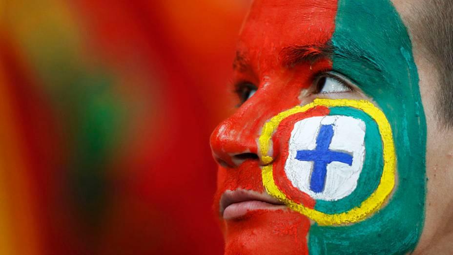 Torcedor de Portugal durante partida válida pelas semi-finais da Eurocopa 2012 contra a Espanha em Donetsk, Ucrânia
