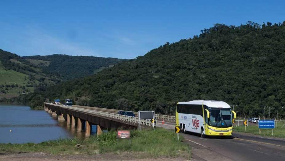 Expedição VEJA cruza o Rio Uruguai