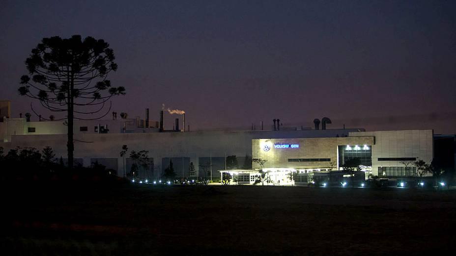 Expedição Veja passa pela fábrica da Volkswagen em São José dos Pinhais - SP