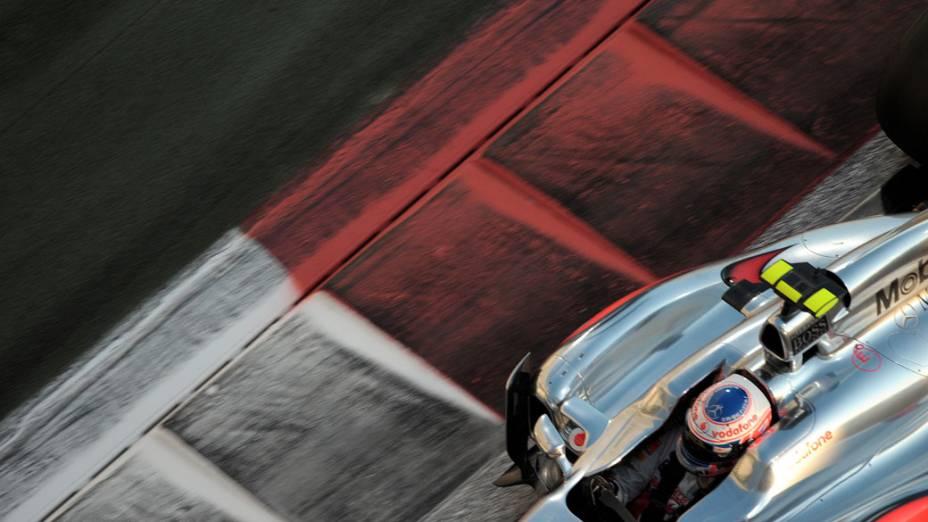 Jenso Button, da McLaren, durante o GP de Abu Dhabi