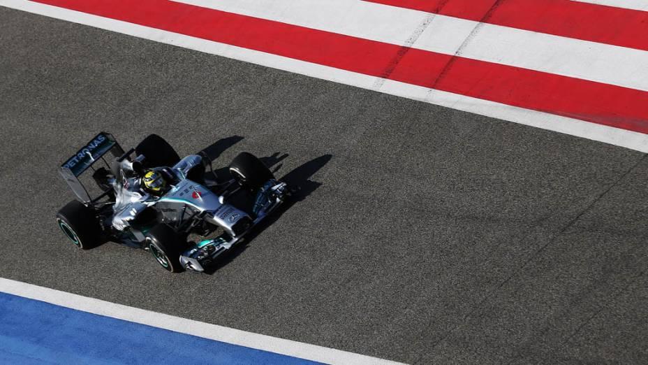 O alemão Nico Rosberg durnante treinos no Bahrein