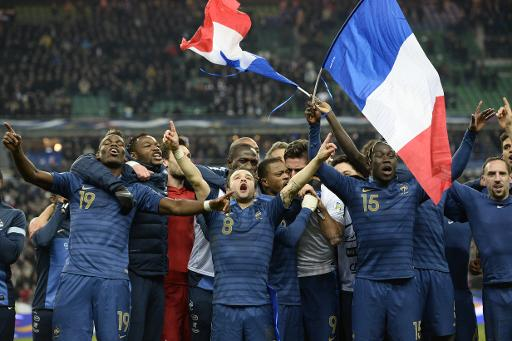 Seleção francesa comemora vitória sobre Ucrânia