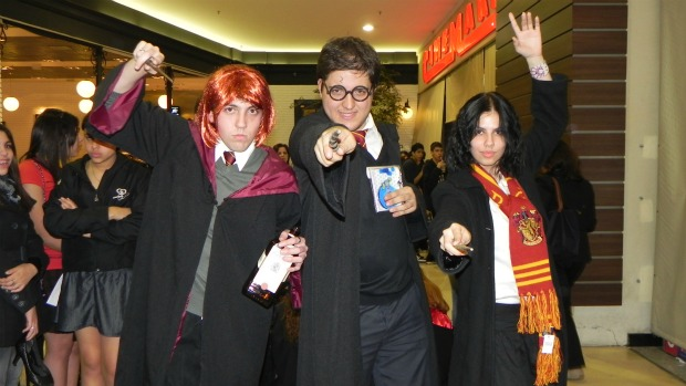 Os amigos Carol Chiovatto, Leandro Schulai e Diego Vieira