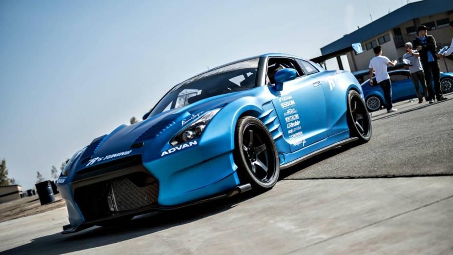Outro Nissan GT-R, este totalmente customizado, convocado para o filme