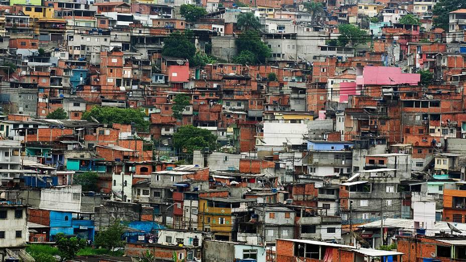 Vista geral da favela de Vila Brasilândia na Zona Oeste, em São Paulo