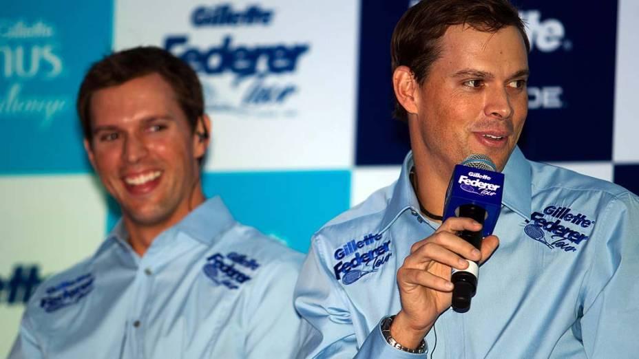 Os irmãos Bob e Mike Bryan em entrevista em São Paulo