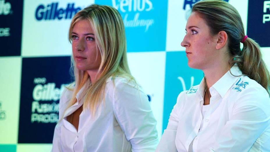Maria Sharapova e Victoria Azarenka durante entrevista coletiva em São Paulo