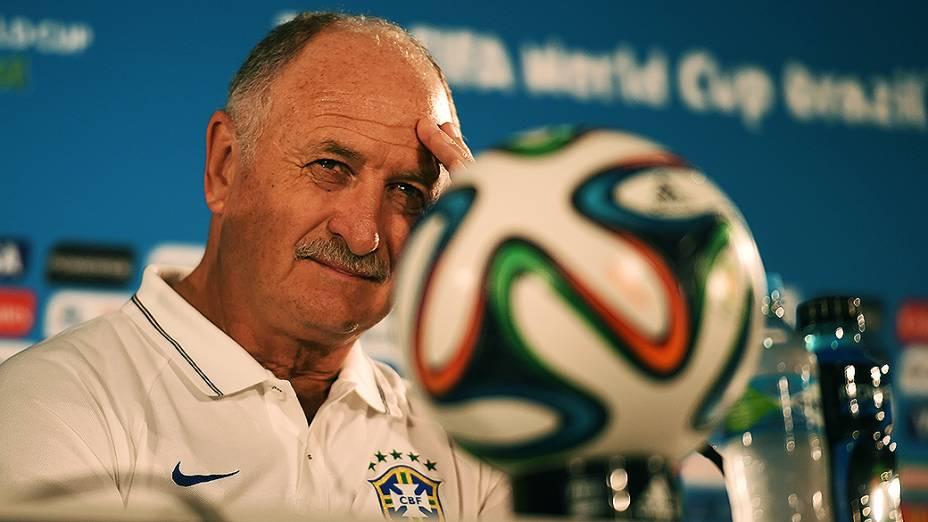 O técnico da Seleção Brasileira de Futebol, Luiz Felipe Scolari, durante coletiva de imprensa, em Brasília