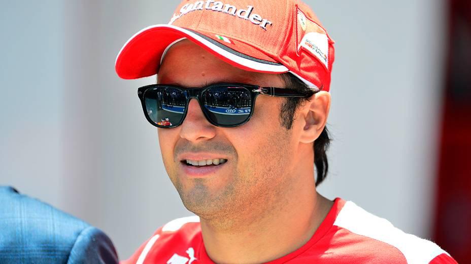 Felipe Massa no box da Ferrari em Interlagos