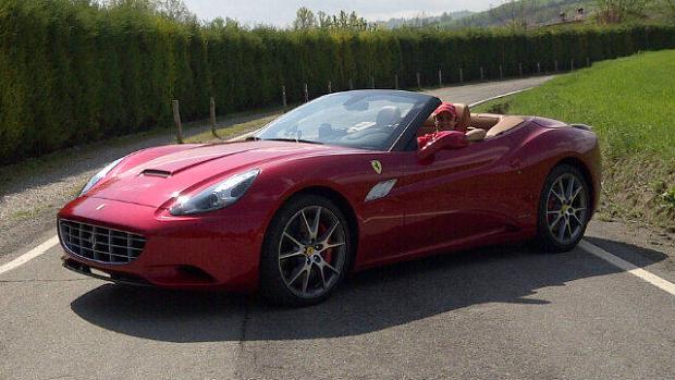 Felipe Massa participou do comercial da nova Ferrari Califórnia