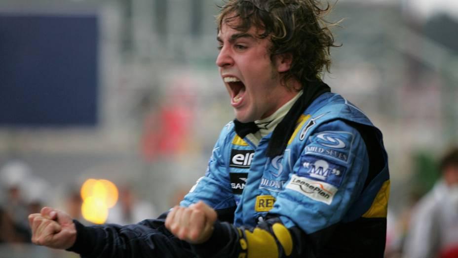 Fernando Alonso, piloto da Renault, terceiro lugar no GP Brasil de Fórmula 1 e Campeão Mundial de 2005, no autódromo de Interlagos