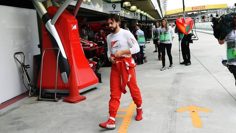 Fernando Alonso durante treino classificatório para o Grande Prêmio do Brasil de Fórmula 1