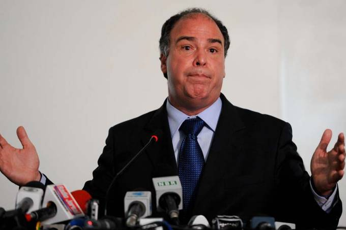 fernando-bezerra-ministro-integracao-nacional-20120104-01-original.jpeg
