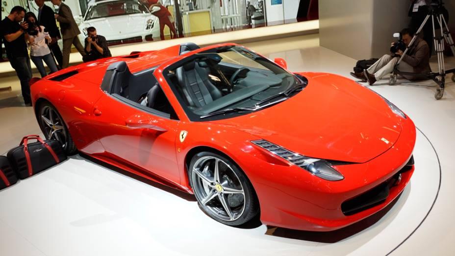 A Ferrari não terá estande no Salão do Automóvel de São Paulo, mas para minimizar a ausência, a Fiat promete exibir uma 458 Spider em seu espaço