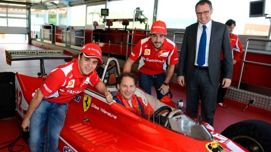 Felipe Massa, Jacques Gilleneuve, Fernando Alonso e Stefano Domenicali na homenagem a Gilles Villeneuve, na sede da Ferrari, na Itália