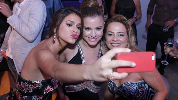 Bruna Marquezine na festa de lançamento da novela Em Família, de Manoel Carlos, no Hotel Copacabana Palace