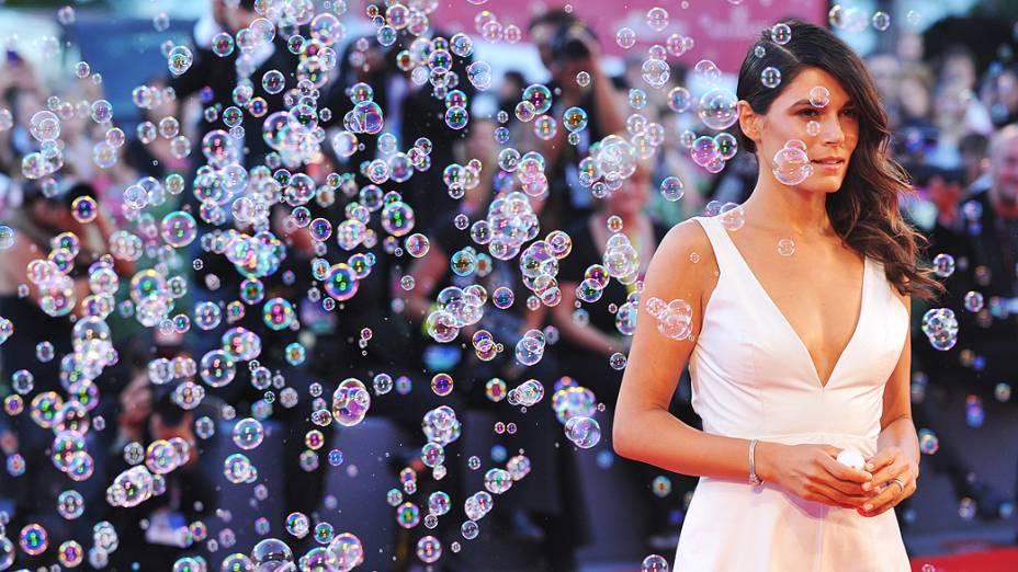 """A atriz italiana Valeria Solarino chega para a exibição de """"LIntrepido"""", apresentado em competição durante o 70º Festival de Veneza - 04/08/2013"""