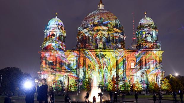 Catedral de Berlim durante a oitava edição do Festival das Luzes, na Alemanha