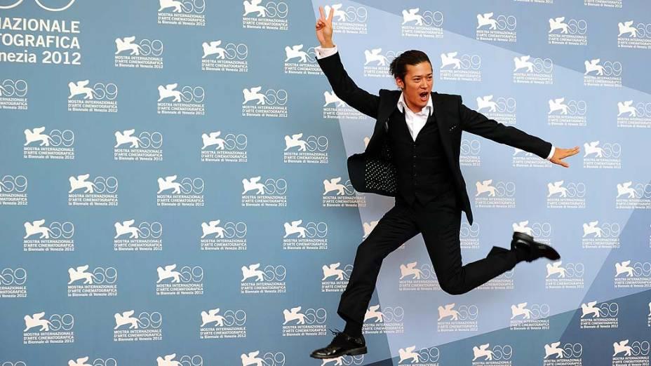 O ator japonês Sosuke Takaoka durante o 69º Festival de Cinema de Veneza, em 04/09/2012