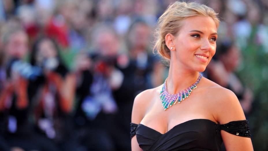 Scarlett Johansson no tapete vermelho do 70 º Festival Internacional de Cinema de Veneza, em 03/09/2013