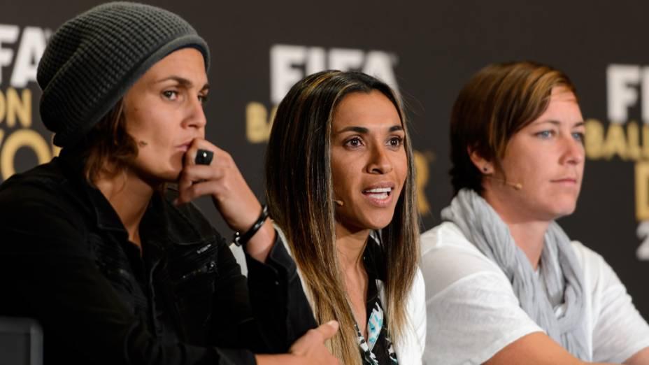 As jogadoras Nadine Angerer, Marta e Abby Wambach, indicadas ao prêmio Bola de Ouro 2013