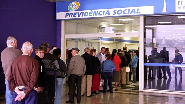 fila-de-aposentados-em-agencia-da-previdencia-social-original.jpeg