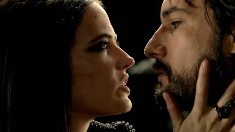 Eva Green e Rodrigo Santoro no filme 300 - A Ascensão do Império