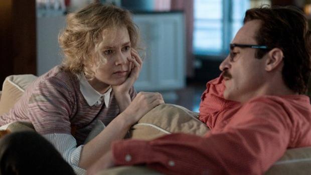 Amy Adams e Joaquin Phoenix em Ela