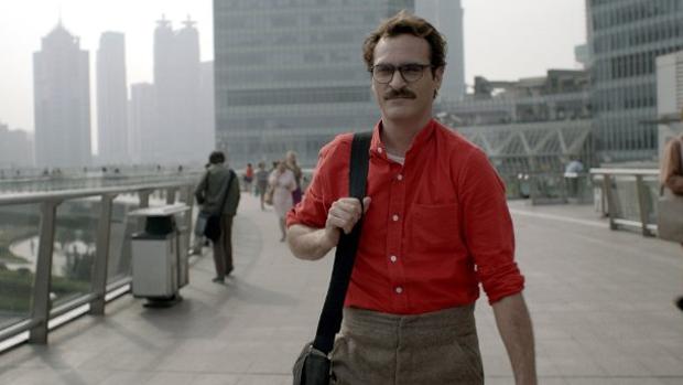 Joaquin Phoenix no filme Ela