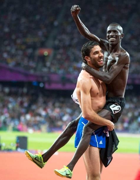 O queniano Ezekiel Kemboi, campeão dos 3.000 metros com obstáculos