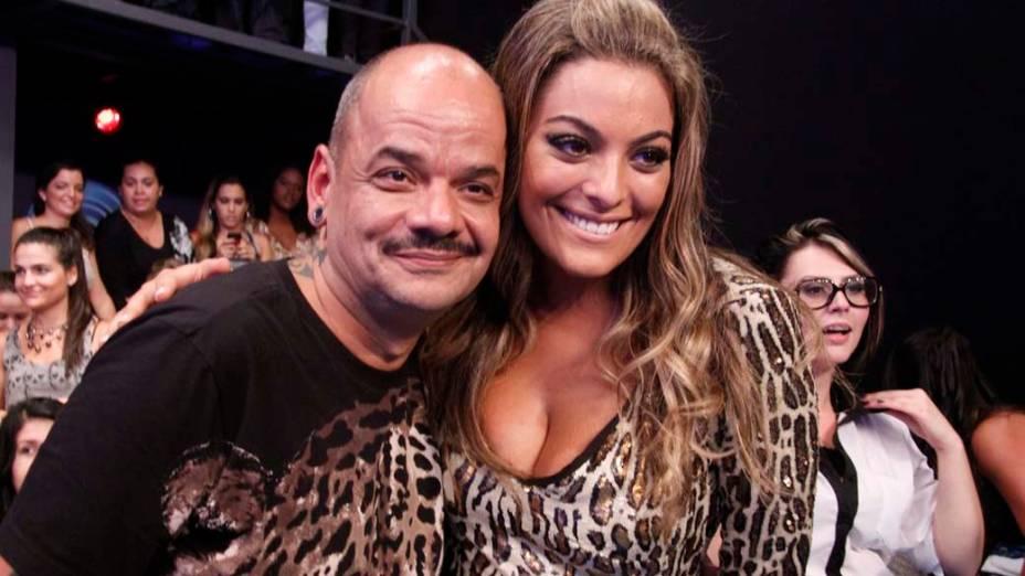 João Carvalho e Monique durante final do BBB 12