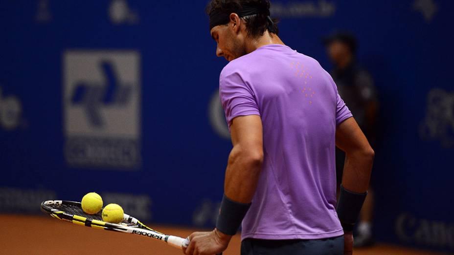 Nadal no jogo contra Nalbandian na Final do Brasil Open, no Ginásio do Ibirapuera