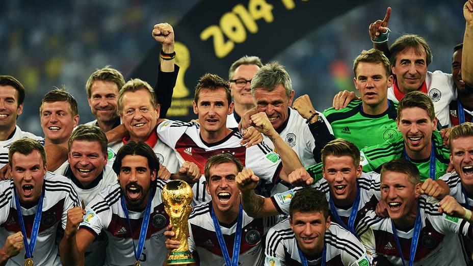 Alemanha é tetracampeã mundial após vencer Argentina por 1 a 0 na prorrogação neste domingo no Maracanã