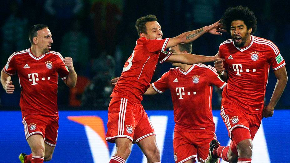 O jogador Dante do Bayern de Munique durante a partida entre Bayern de Munique e Raja Casablanca válida pelo Mundial de Clubes da Fifa 2013, no estádio da cidade de Marrakech em Marrocos, neste sábado (21)