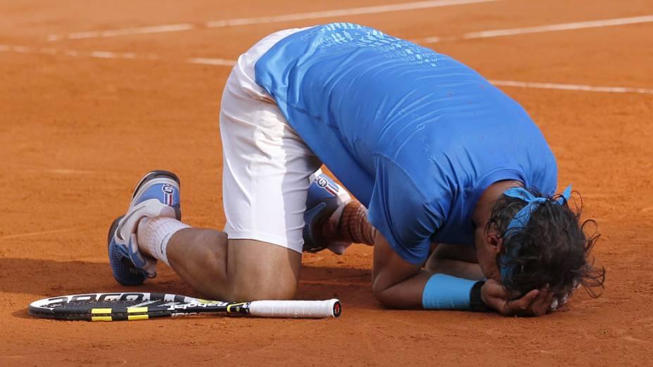 Rafael Nadal comemora a conquista do torneio de Roland Garros, em Paris