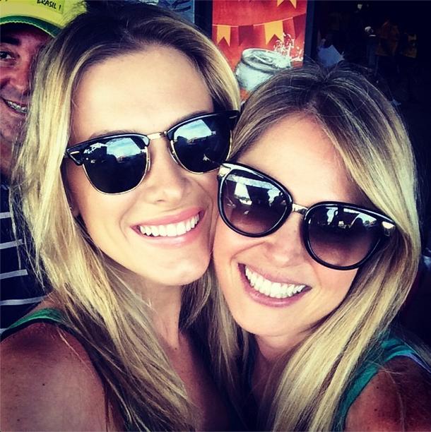 As atrizes Fiorella Matheis e Susana Werner chegam a Fortaleza para assistir ao jogo do Brasil contra a Colômbia
