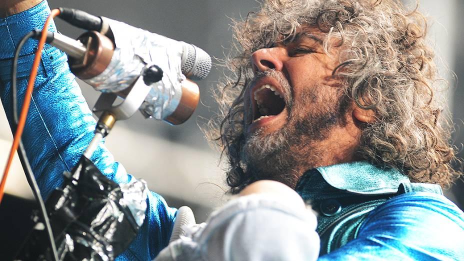 Vocalista Wayne Coyne subiu ao palco do Lollapalooza com uma boneca nos ombros e apresentou músicas do novo álbum