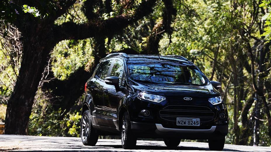SUV compacto para uso urbano e fora de estrada leve, na terra ou na praia