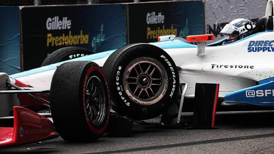 Durante a prova o carro do piloto Josef Newgarden se envolveu num acidente, parando novamente a corrida